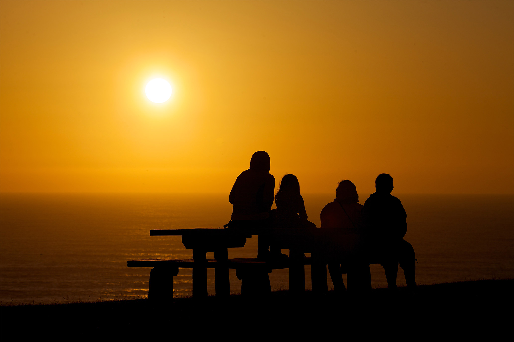 cannonbeachphoto-beach-family-enjoying-sunset-original
